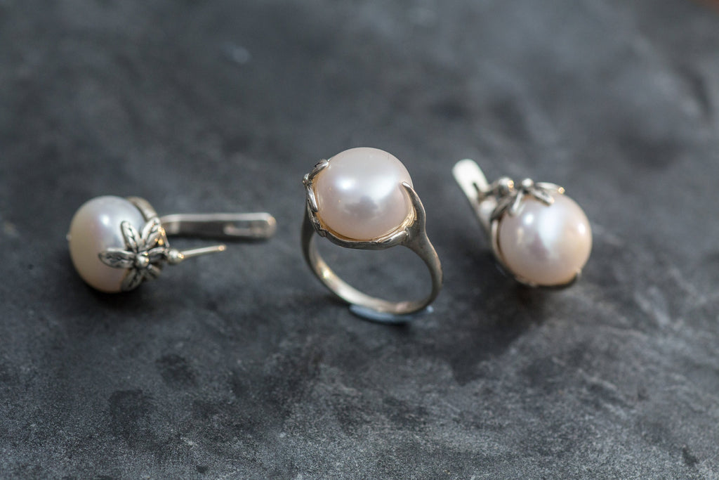 Flower Pearl Ring, White Pearl Ring, Vintage Ring, Natural Pearl, June Birthstone, Flower Ring, June Ring, Bridal Pearl Ring, White Pearl
