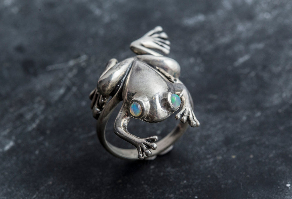 Frog Ring, Natural Opal Ring, Ethiopian Opal Ring, Opal Ring, October Birthstone, Artistic Ring, 925 Silver Ring, Statement Ring, Fire Opal
