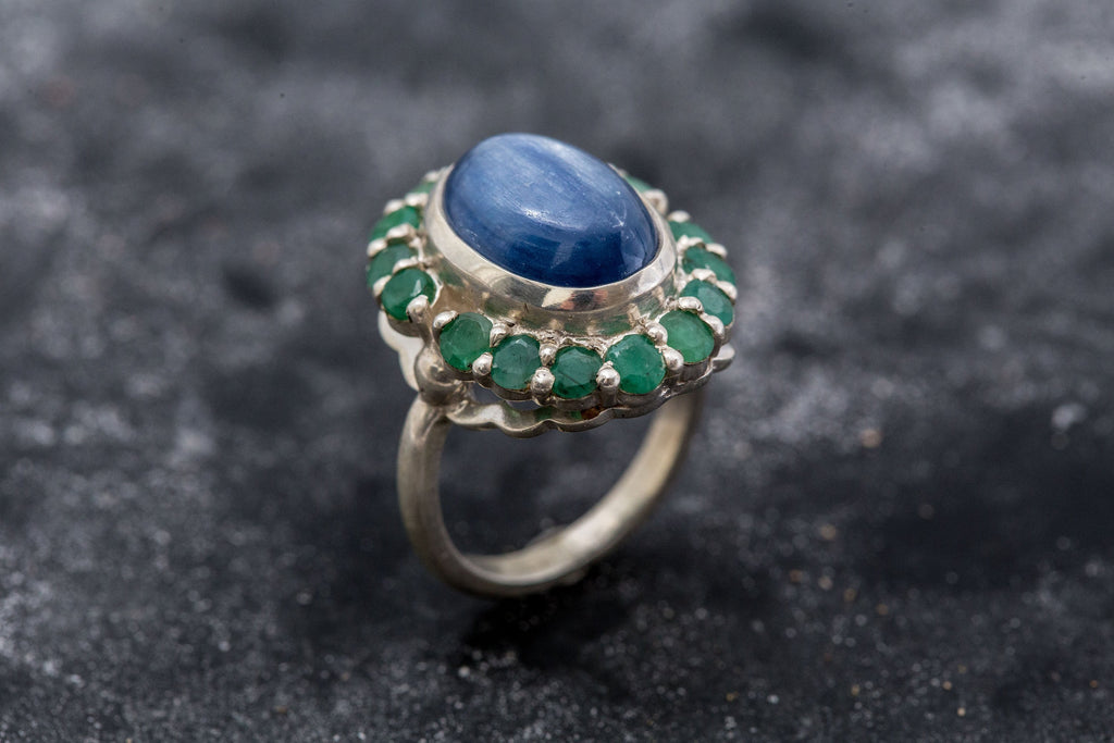 Victorian Blue Ring, Blue Kyanite Ring, Emerald Ring, Natural Stones, Vintage Rings, Large Stone Ring, Solid Silver Ring, Emerald, Kyanite