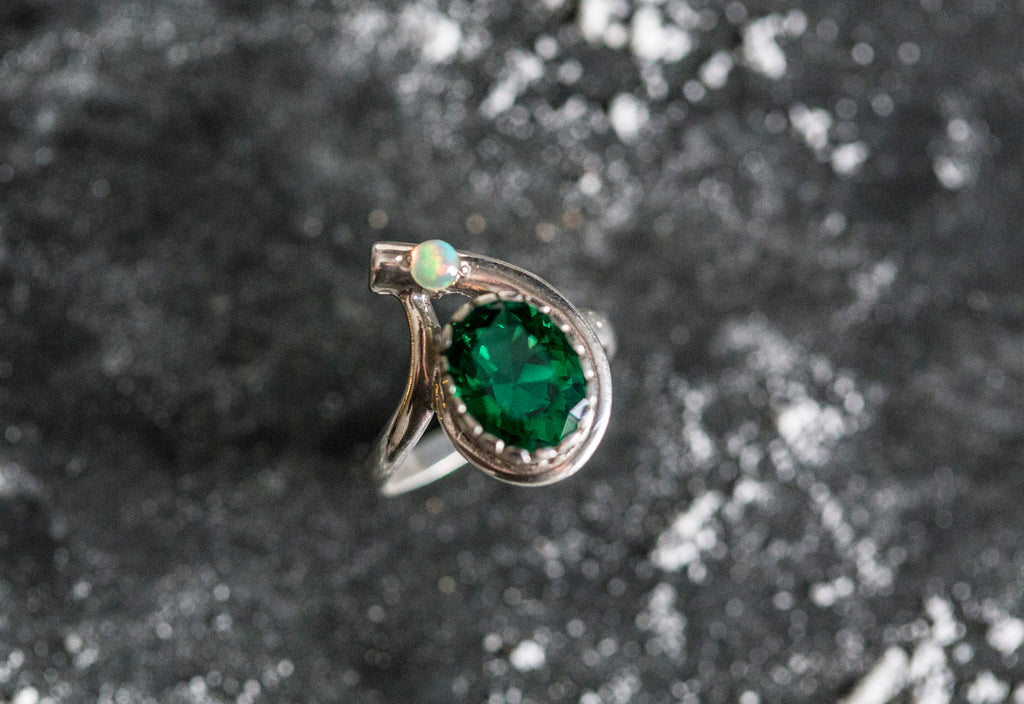 Unique Ring, Created Emerald Ring, Emerald Ring, Natural Opal, Vintage Rings, Ethiopian Opal, Green Ring, Solid Silver Ring, Opal, Emerald