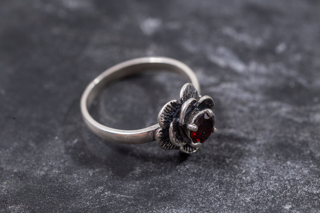 Real Garnet Ring, Vintage Garnet Ring, Flower Ring, January Birthstone, Red Ring, January Ring, Promise Ring, Sterling Silver Ring, Garnet