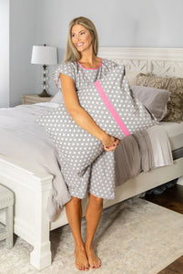 Lisa Delivery Gownie & Matching Pillowcase Set