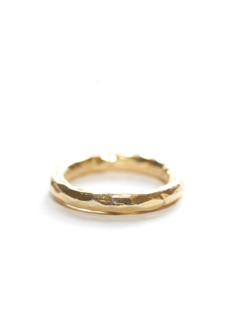 Avindy Hammered Chunky Gold Ring | Vegan Scene