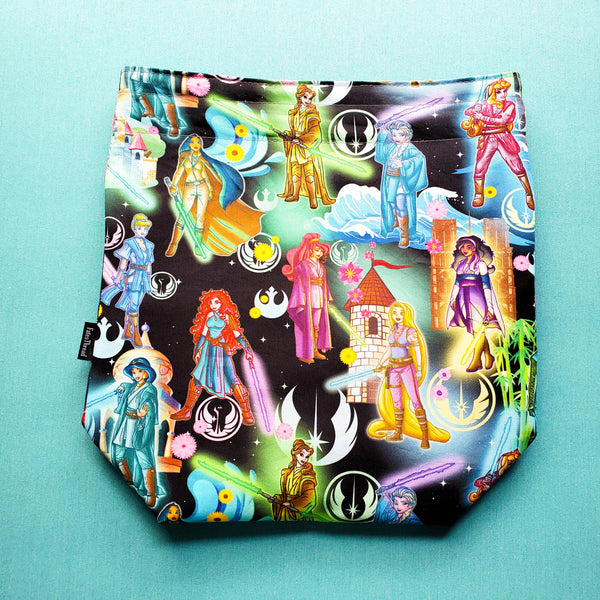 Empire Princesses and friends in black, medium Project bag