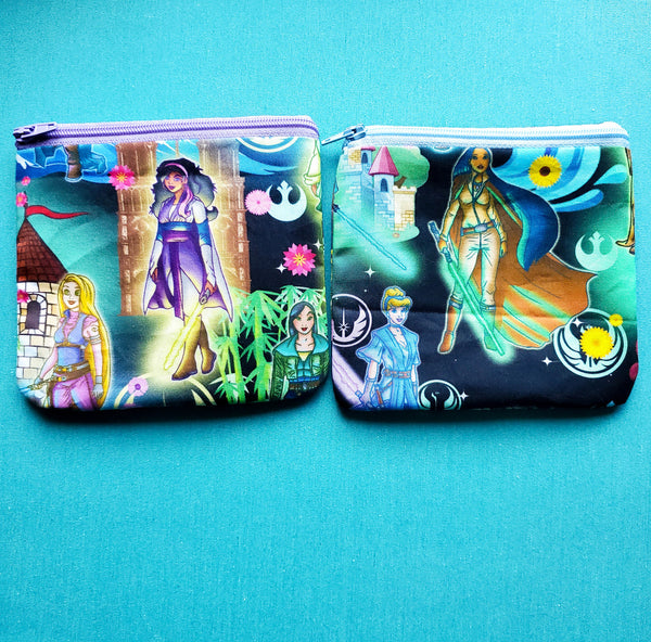 Empire Princess, zipper pouch