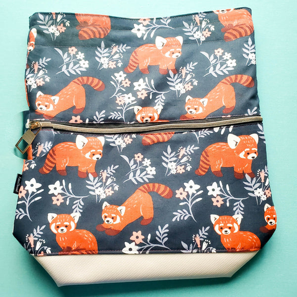 Red Panda, Deluxe Large Bag with zipper pocket