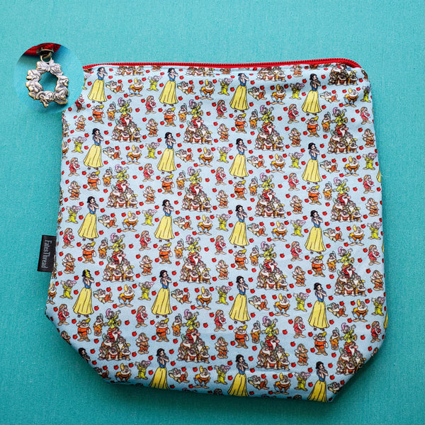 Princess and her dwarves, apple, small zipper bag