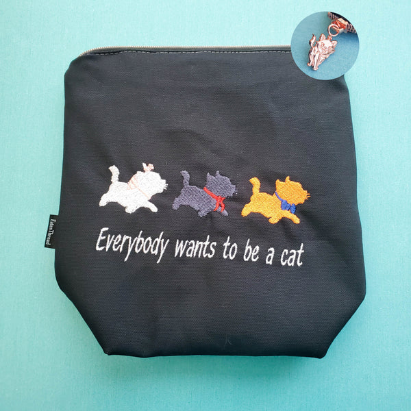 Everybody wants to be a cat, small zipper bag