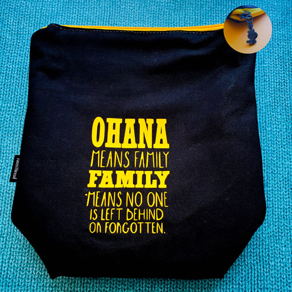Ohana means family, Hawaii, Small zipper Bag