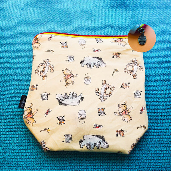 Hunny pot bear, small zipper bag