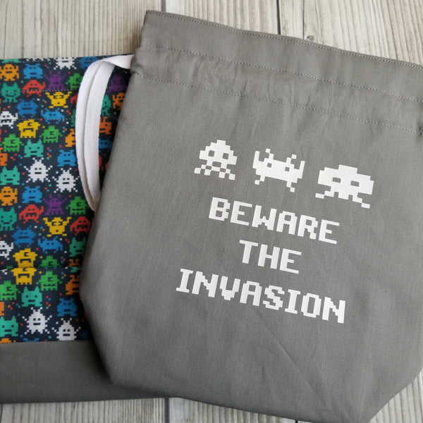 Beware the Invasion, Knitting Project Bag, vintage game bag