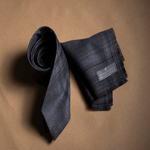 Black House Neck Tie Set