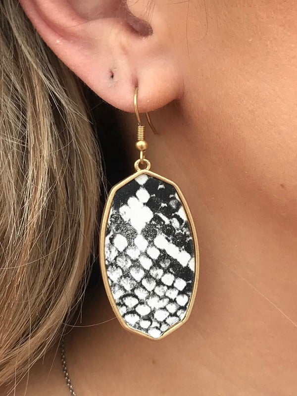 Black and White Snake Print