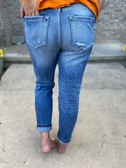 Kan Can High Rise Mom Fit Jean