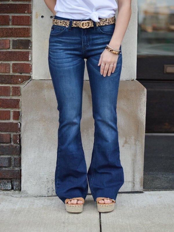 Taylor Mid-Rise Flare Jean 16022