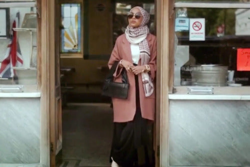 H&M features a Hijabi model for the very first time!