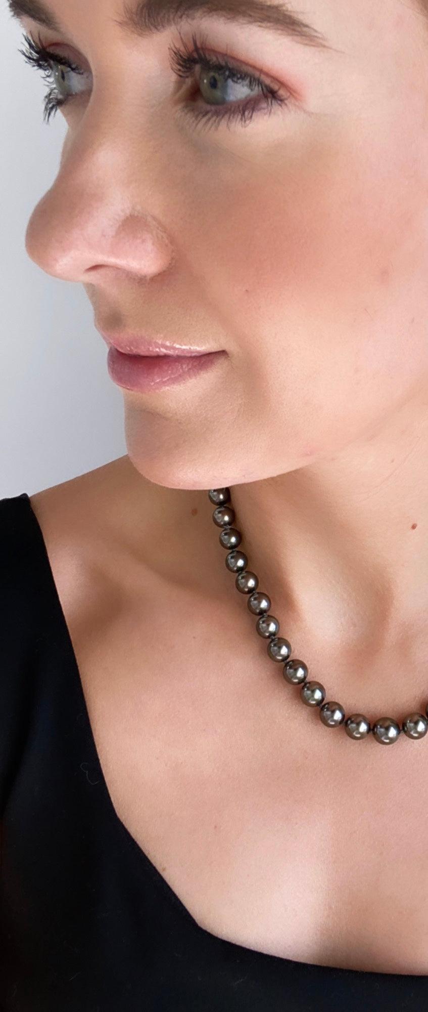Royal Pearl Tahitian Pearl Ball Clasp Necklace