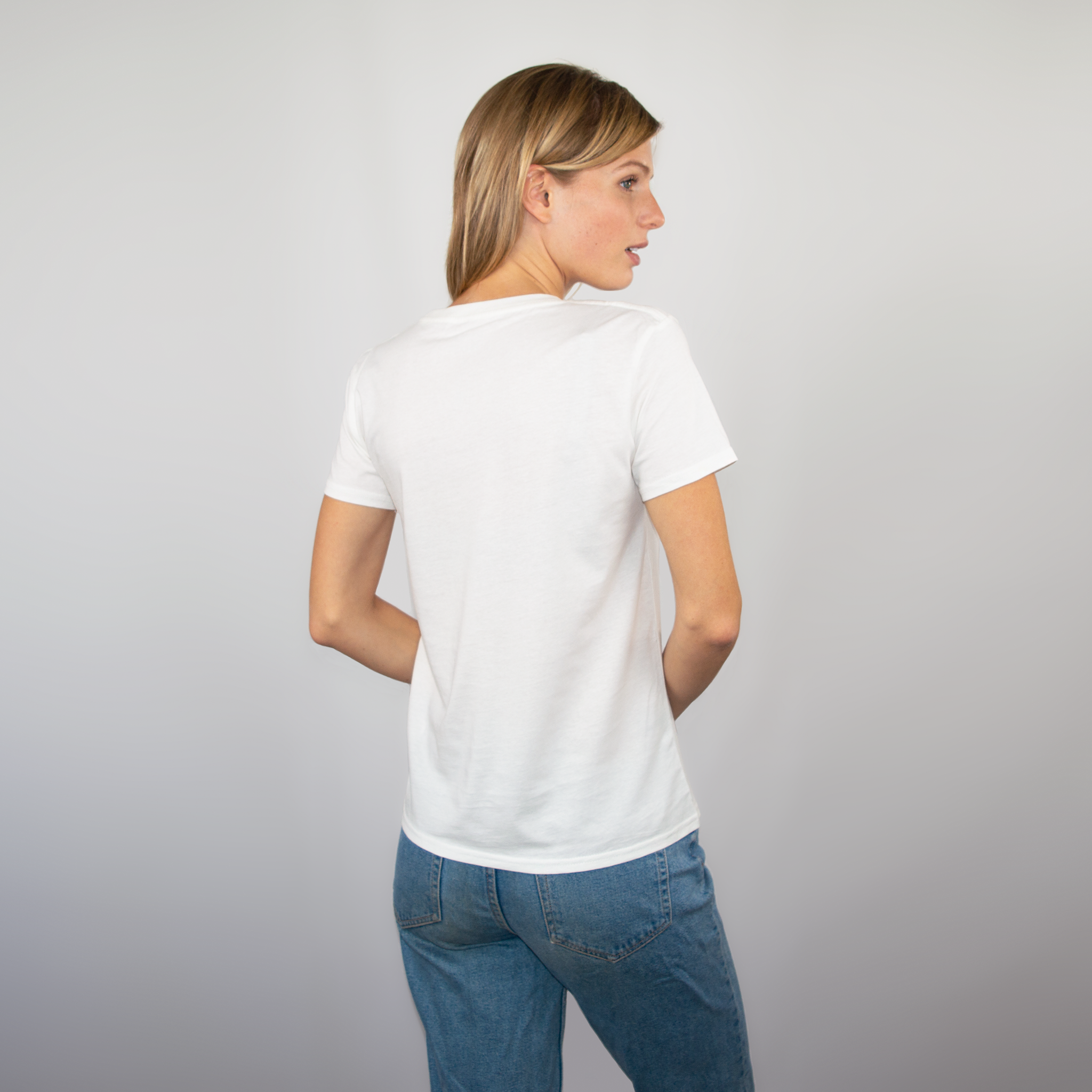9d9563143508 ... Load image into Gallery viewer, T-shirt women off-white ...