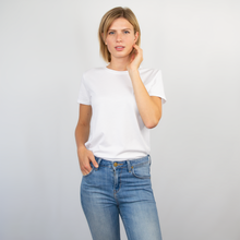 Load image into Gallery viewer, T-shirt women white