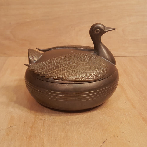 Vintage BIRD TRINKET BOX ~ Round Figural Etched BRASS *