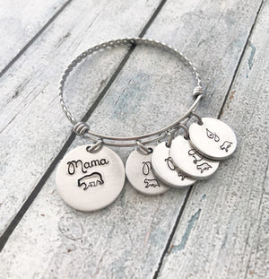 Mama bear-  Mother's jewelry - Hand stamped