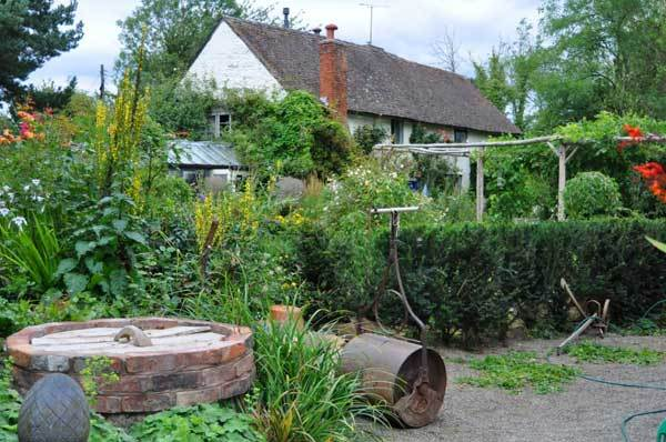 How to make a Cottage Garden
