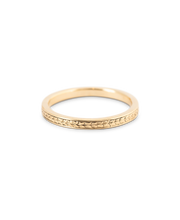 Load image into Gallery viewer, Hand Engraved Wheat Band