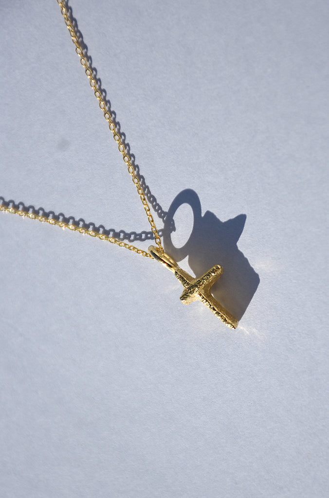 PRAIA CROSS PENDANT NECKLACE