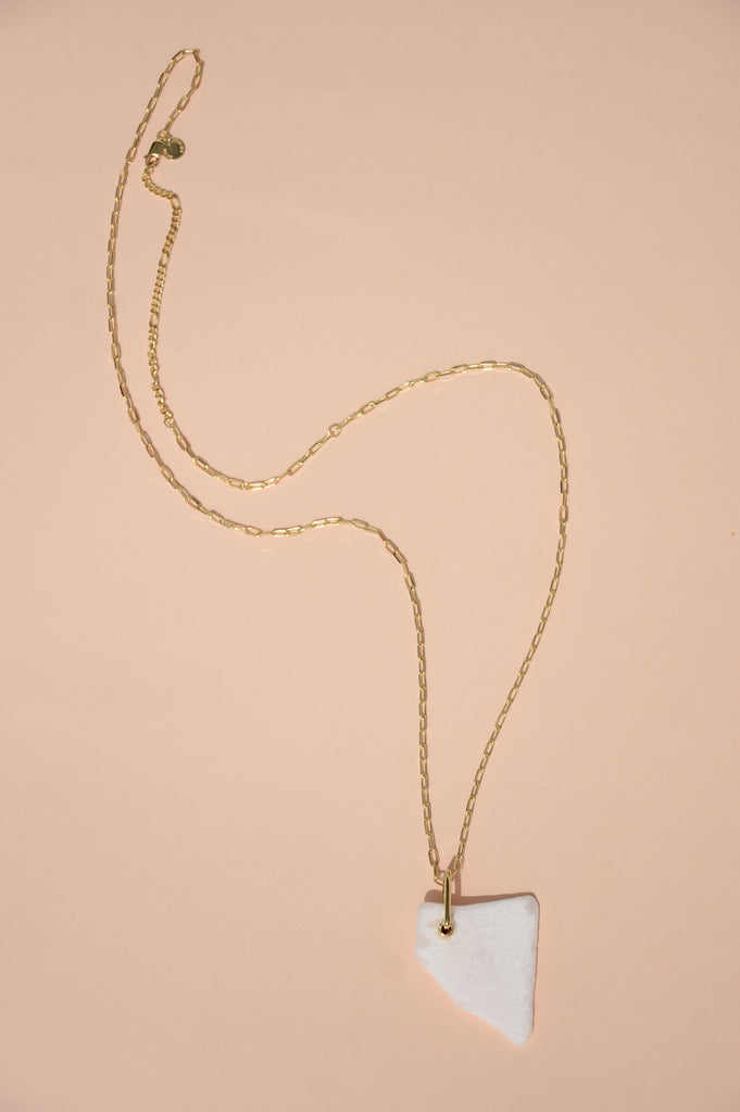 WHITE FIN NECKLACE