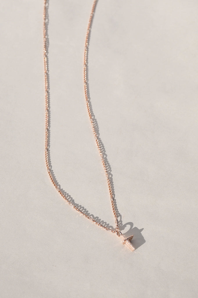 ROSE GOLD PRAIA CROSS NECKLACE