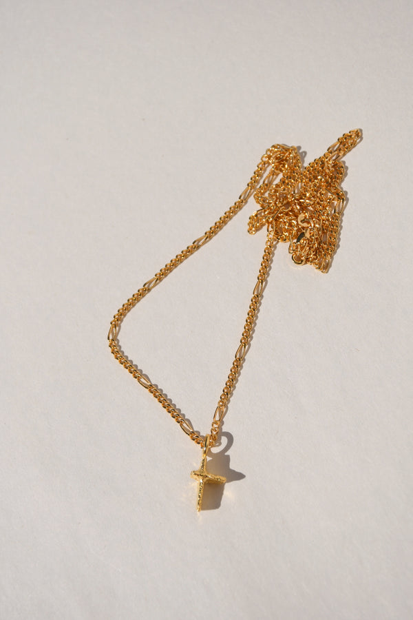 GOLD PRAIA CROSS NECKLACE