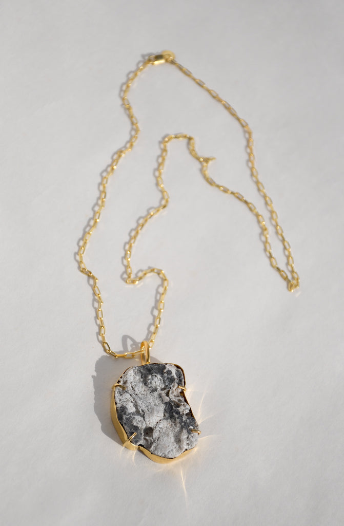 GROTTO PENDANT NECKLACE