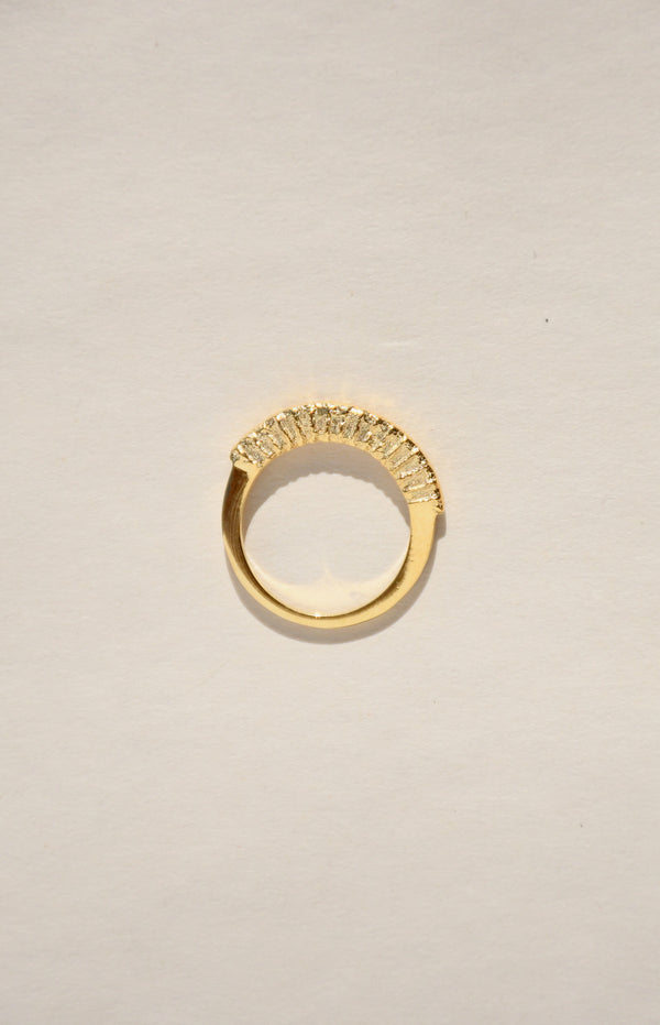 GOLD ARCH RING
