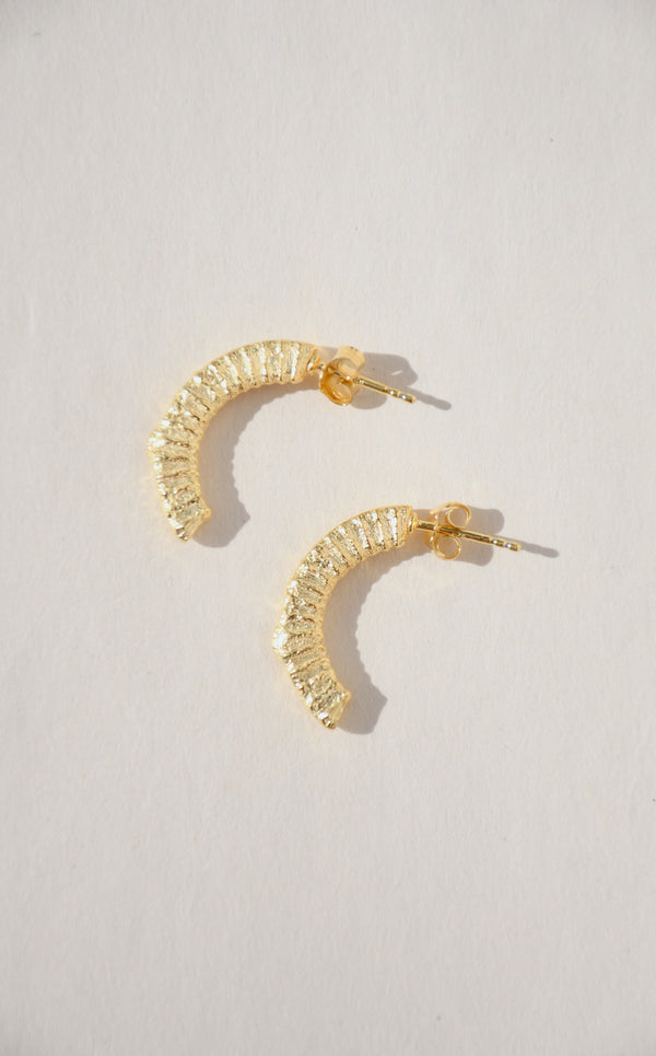 GOLD ARCH EARRINGS