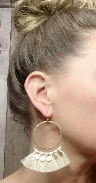 Round ring &Tassel earrings