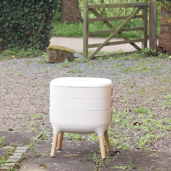 Urbalive Worm Composter From Wiggly Wigglers - 20 Litre Cream | Unit + Starter Pack  -  Wormeries