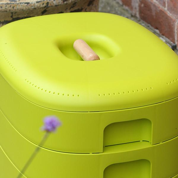 Urbalive Worm Composter Wormery From Wiggly Wigglers - 20 Litre Lime | Unit + Starter Pack  -  Wormeries