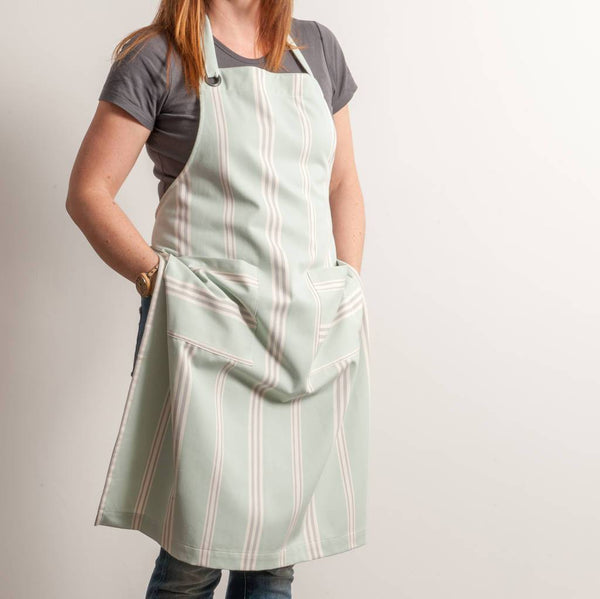 Eastnor Sage Organic Apron by COTTAGE IN THE HILLS