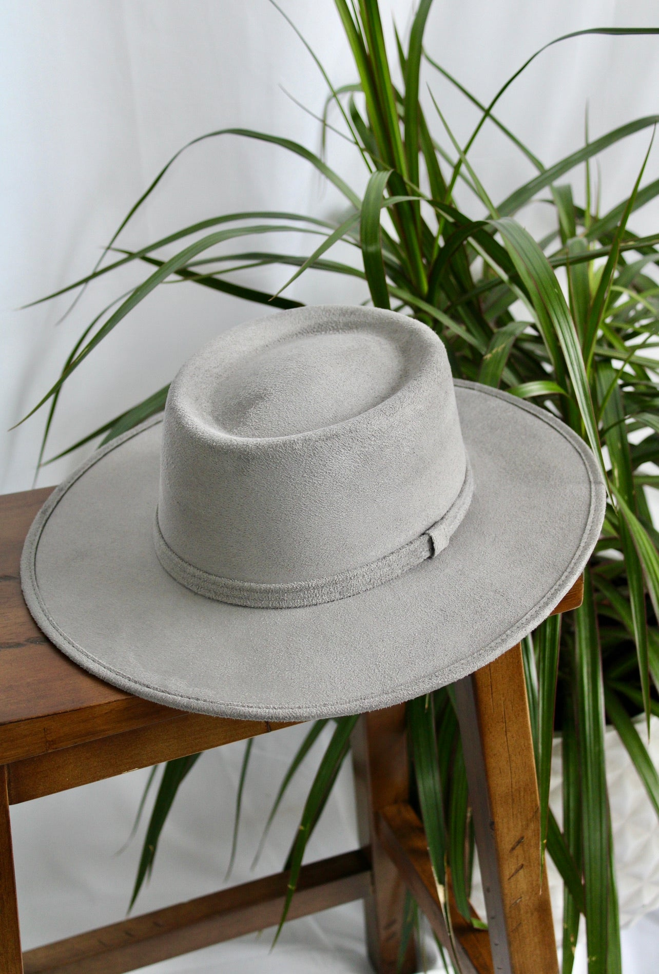 Faux Suede Cordobés Hat - Light Gray