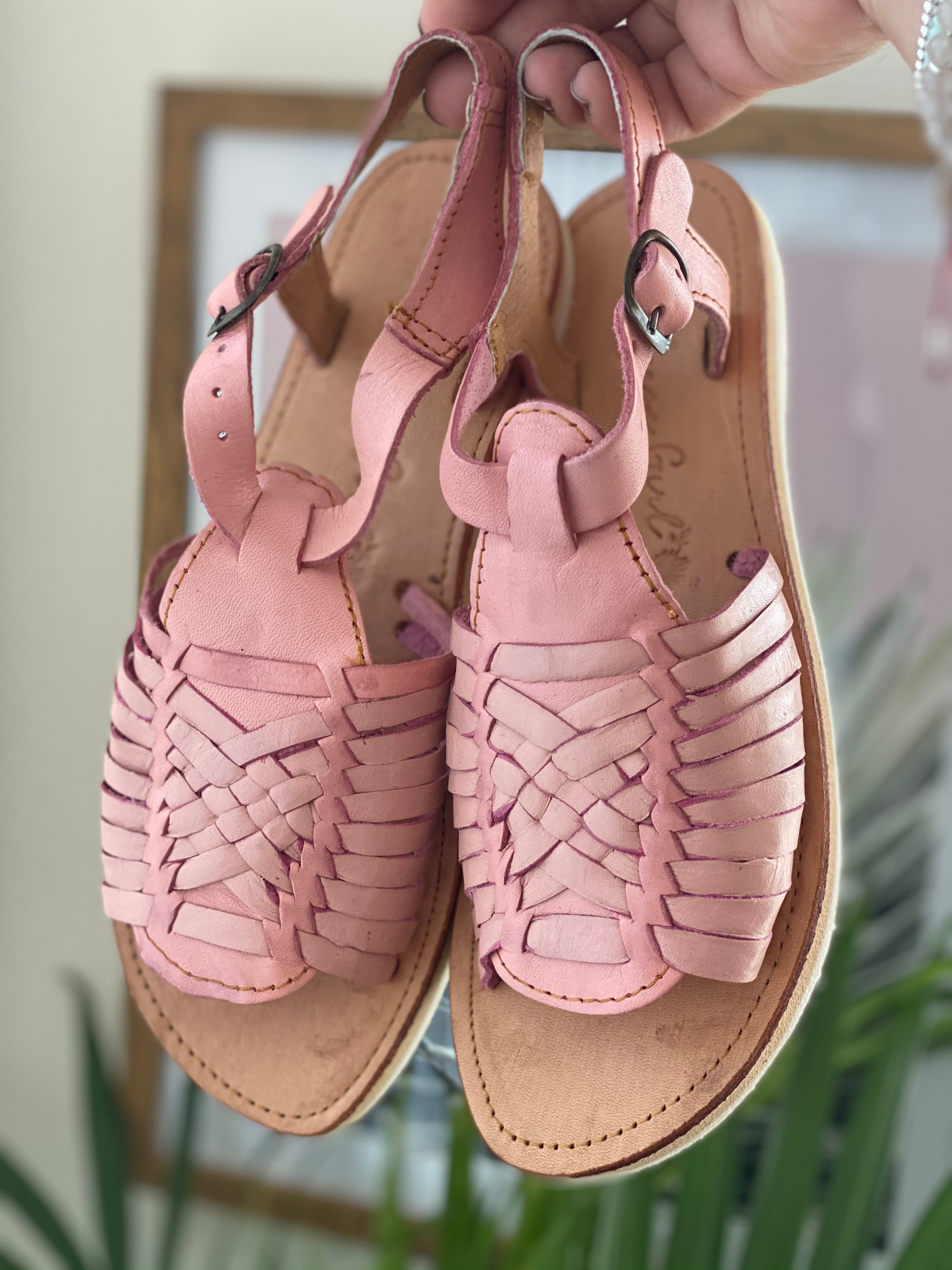 Evelyn Huaraches Pink