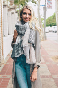 DOLLY BLANKET SCARF