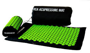 This is an image of our Green REA ACUPRESSURE MAT is an easy self treatment set with 8000 nails. UK