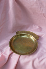 Load image into Gallery viewer, Vintage Brass Pocket Change Dish