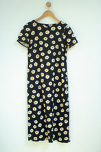 Load image into Gallery viewer, Vintage Daisy Maxi Dress