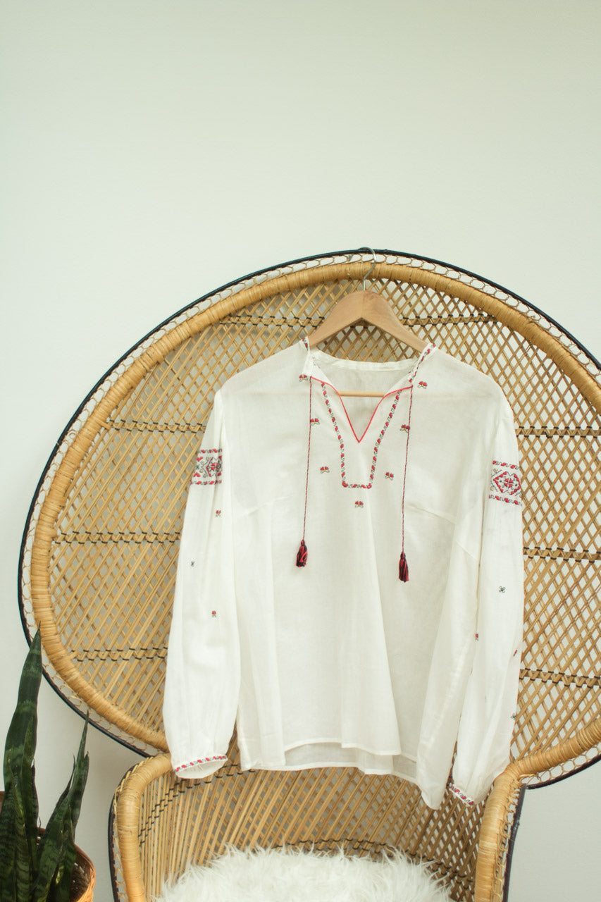 Vintage Women's Embroidered Blouse