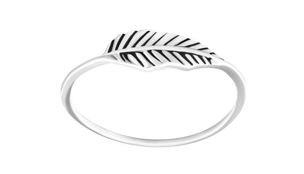 Folium Leaf Ring