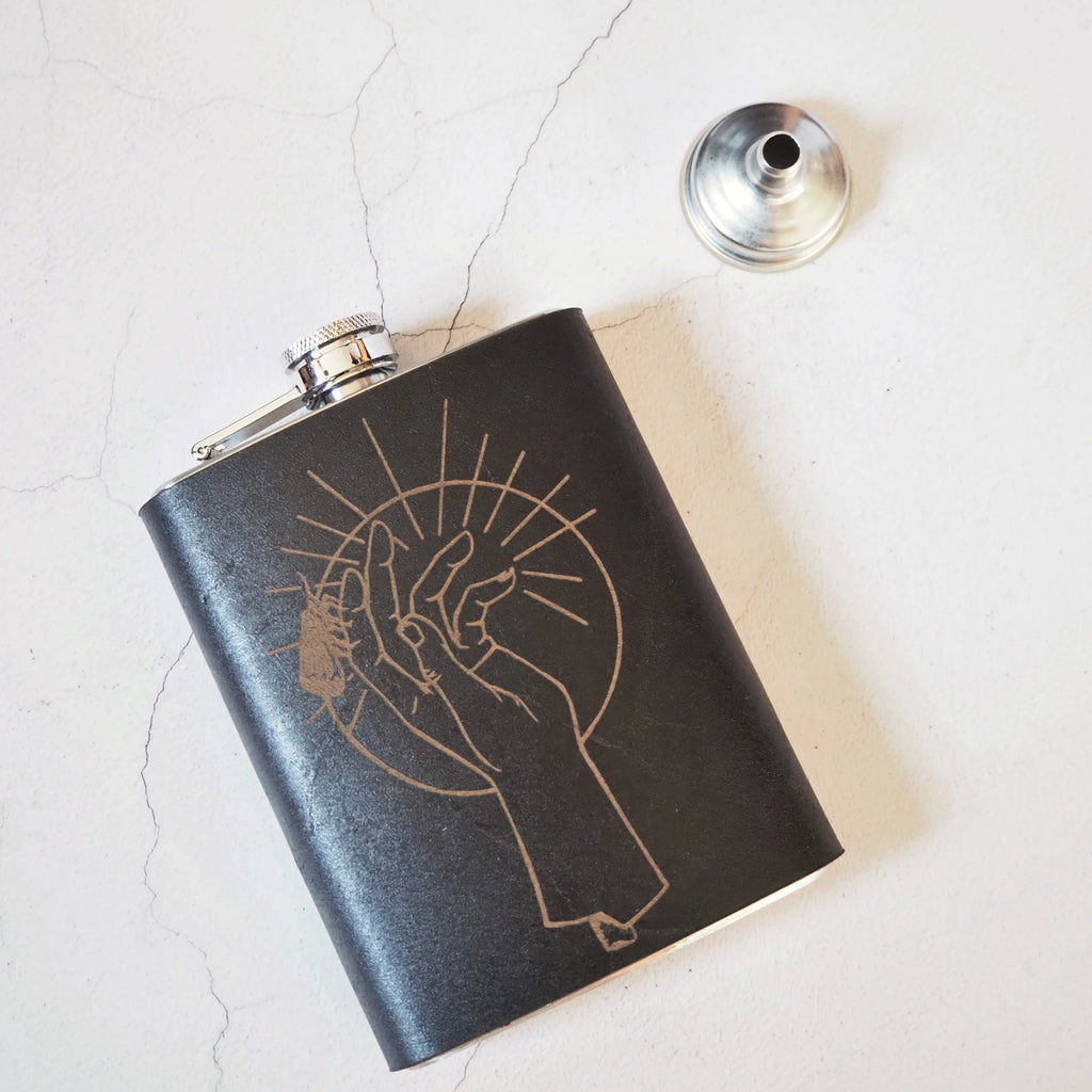The Oracle Flask-Hip Flask-HÔRD