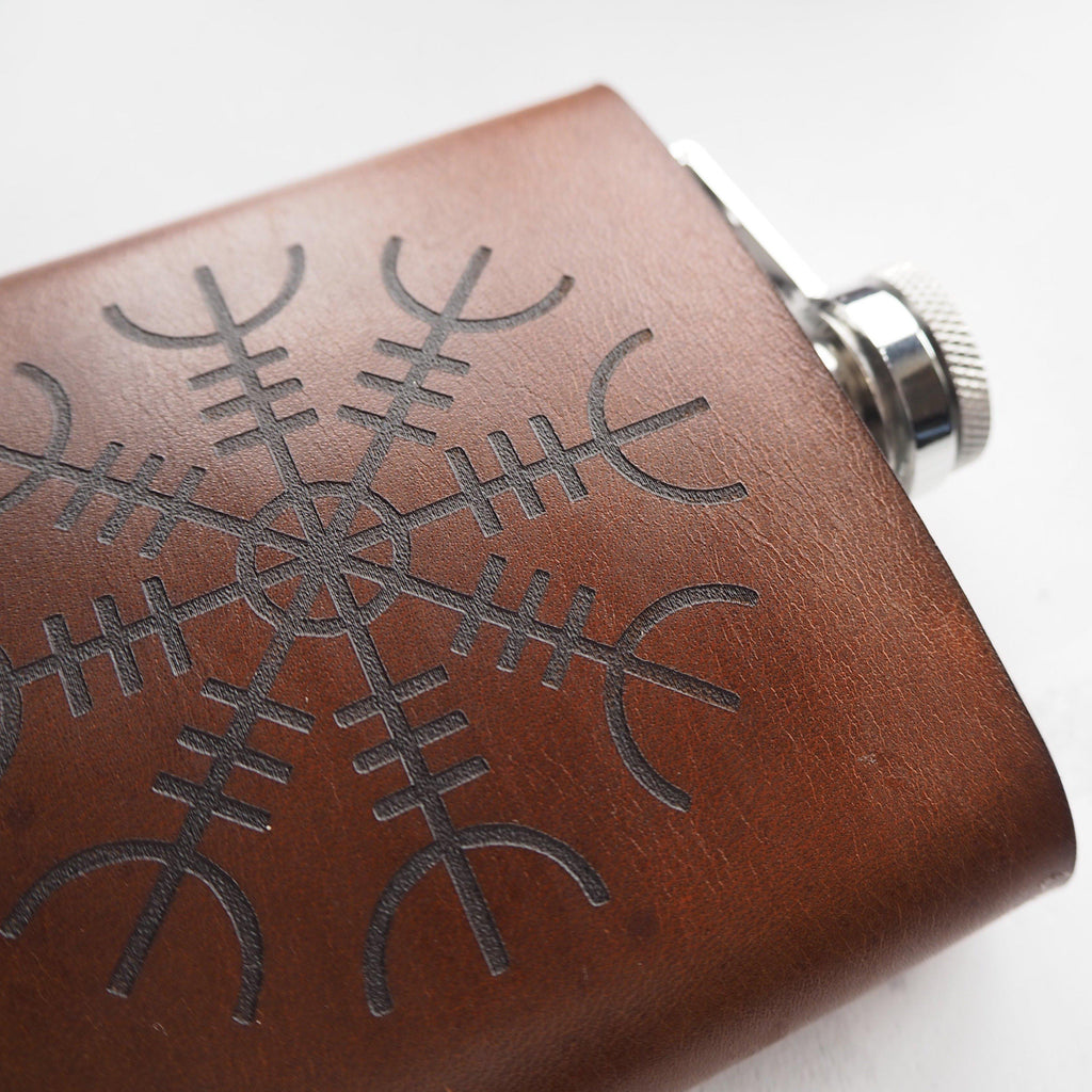 Hip Flask - Ægishjálmur Rune Leather Flask