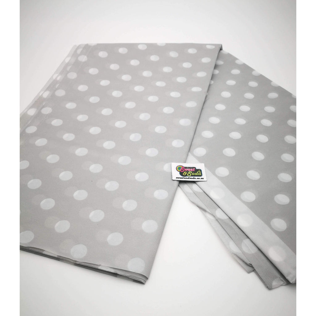 PARTY POLKA DOT TABLE COVER SILVER