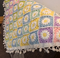 Shereo's crochet pattern of crystal daisy flower blanket